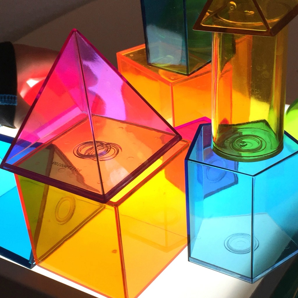 Geometric Solids on the Lightbox